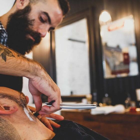 Razor-shaves-at-Sydneys-finest-mens-barber-Mr-Chop-Shop